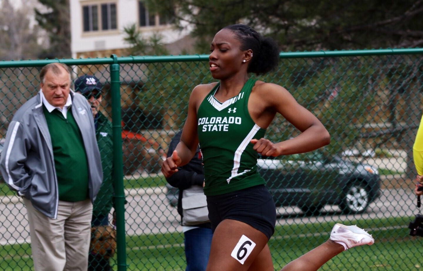 School record falls in women's 4x100 for second consecutive week